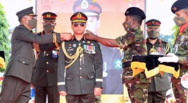 '৮ম কর্নেল কমান্ড্যান্ট' হিসেবে দায়িত্বভার গ্রহণ করেছেন সেনাবাহিনী প্রধান