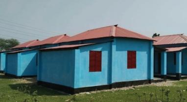 পাকুন্দিয়ায় প্রধানমন্ত্রীর উপহারের ঘর হস্তান্তর ৩২ ভূমিহীনের মাঝে